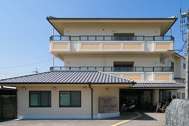 【介護職・ヘルパー/堺市中区】 特別養護老人ホーム やすらぎの園 (正社員)の画像1