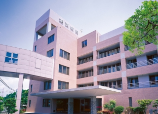 【介護職/浜松市西区】 介護医療院  湖東病院 (パート)の画像1